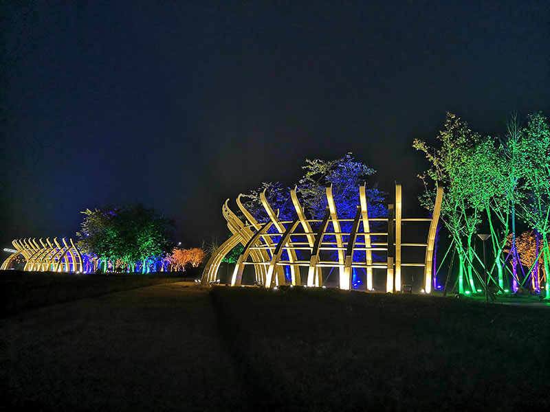 """The beautiful night scene refreshes the city's """"appearance"""", creating a lighting project outside the Lantern Fair"""
